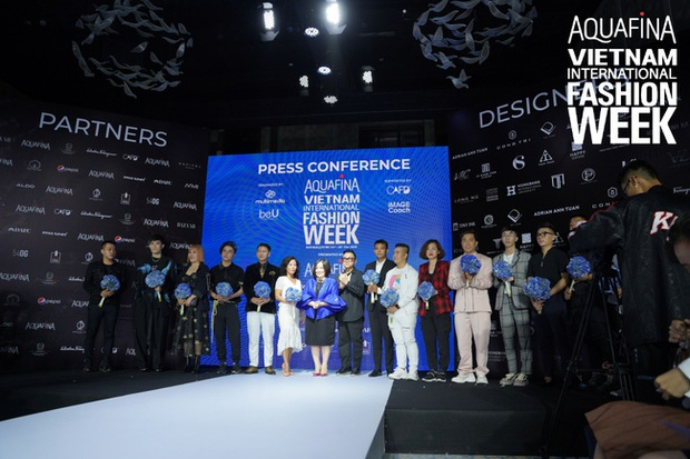 NTK Công Trí đảm nhiệm vai trò mở màn cho Aquafina Tuần lễ Thời trang Quốc tế Việt Nam 2020 - Ảnh 1.