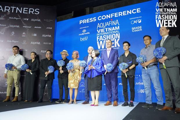 NTK Công Trí đảm nhiệm vai trò mở màn cho Aquafina Tuần lễ Thời trang Quốc tế Việt Nam 2020 - Ảnh 3.