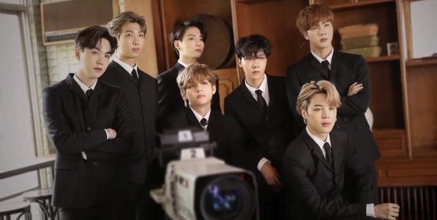 BTS lên hẳn tạp chí Mỹ tiết lộ bí mật về gia thế: Jin chia sẻ về gia đình tài phiệt, V từ nhà làm nông vươn tầm với giấc mơ cháy bỏng - Ảnh 10.