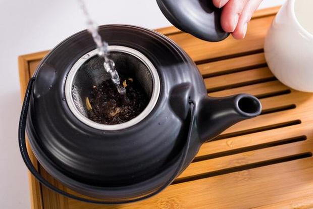 Thích uống trà để sống khỏe như người Nhật, ai ngờ chàng trai Trung Quốc mắc ung thư thực quản: 3 thói quen sẽ rất rắc rối nếu không thay đổi - Ảnh 2.