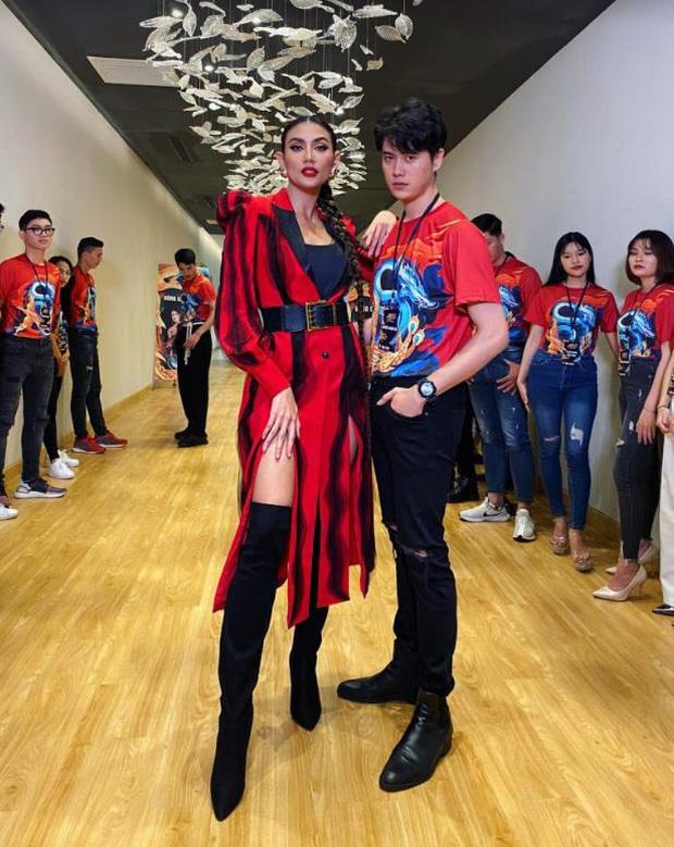 Gặp Quán quân Miss & Mister Võ Lâm Truyền Kỳ 15: Là người mẫu, diễn viên và có thương hiệu thời trang riêng nhưng vẫn... nghiện game - Ảnh 4.
