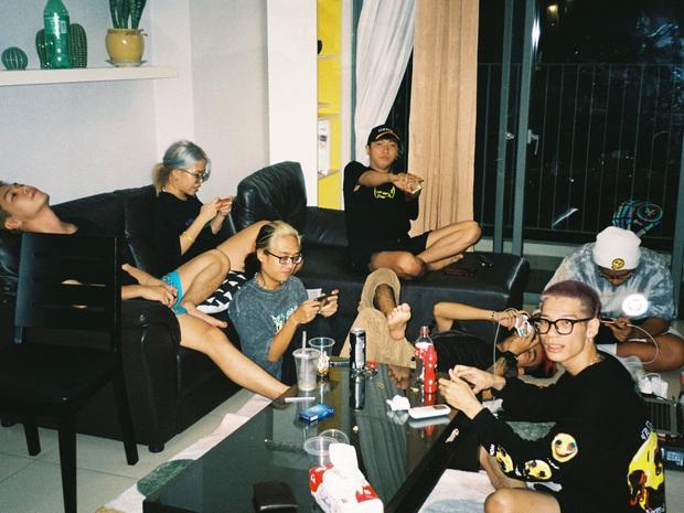 16 Typh đăng ảnh kỷ niệm cùng Rap Việt, tấm hình có lượt tương tác cao nhất thuộc về... Tage - Ảnh 7.