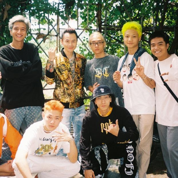 16 Typh đăng ảnh kỷ niệm cùng Rap Việt, tấm hình có lượt tương tác cao nhất thuộc về... Tage - Ảnh 4.