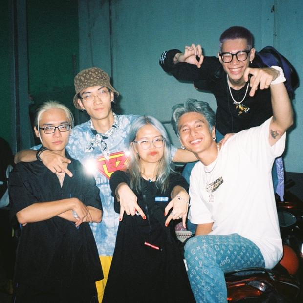 16 Typh đăng ảnh kỷ niệm cùng Rap Việt, tấm hình có lượt tương tác cao nhất thuộc về... Tage - Ảnh 3.