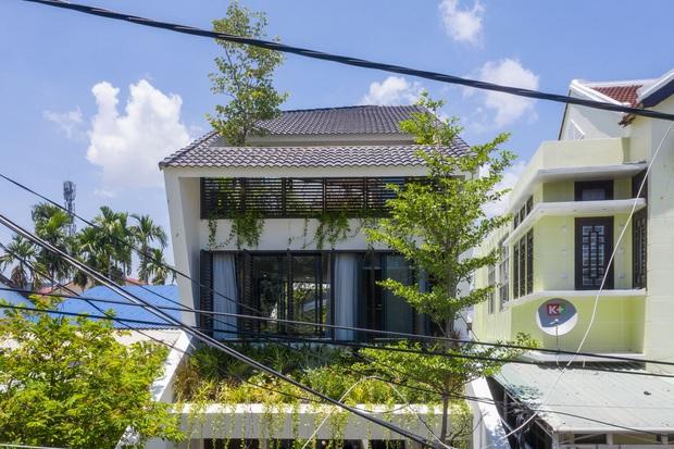 Nằm sâu trong con ngõ nhỏ Hội An, ngôi nhà vẫn ngập tràn nắng gió bởi tư duy thiết kế khoa học của kiến trúc sư - Ảnh 10.