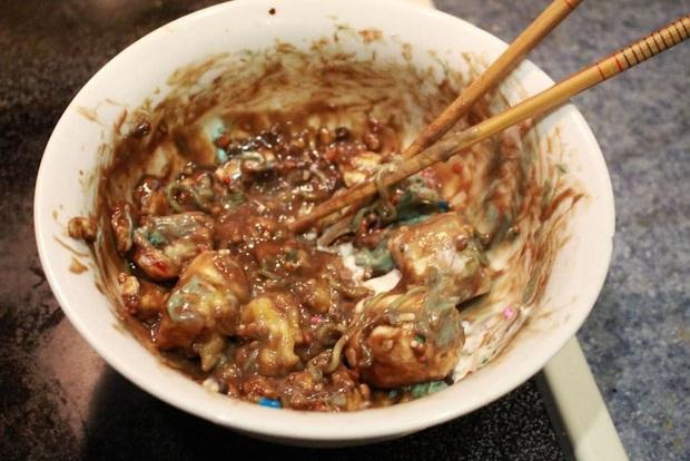 Hướng dẫn nấu mỳ trộn địa ngục đảm bảo sẽ khiến hệ tiêu hóa của bạn trốn trong toilet khóc hết 1 tuần - Ảnh 18.