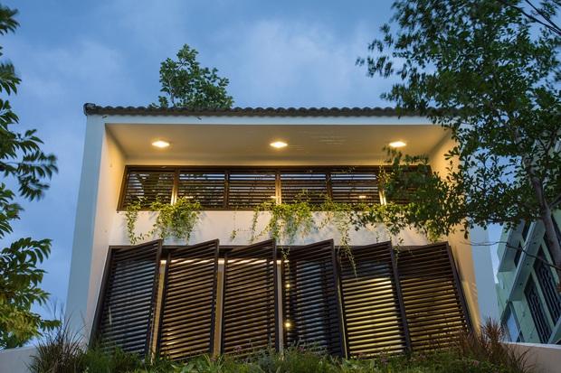 Nằm sâu trong con ngõ nhỏ Hội An, ngôi nhà vẫn ngập tràn nắng gió bởi tư duy thiết kế khoa học của kiến trúc sư - Ảnh 3.