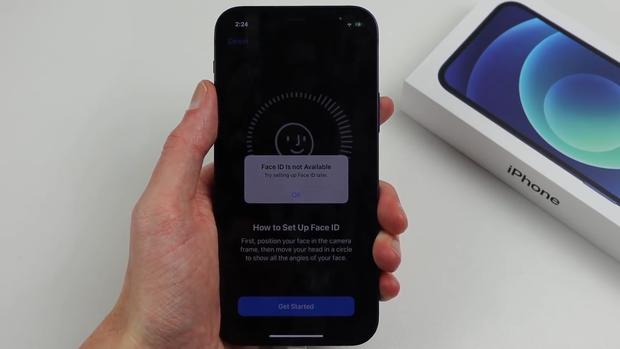 YouTuber mổ bụng 2 chiếc iPhone 12, đổi linh kiện cho nhau và cái kết đắng lòng - Ảnh 6.