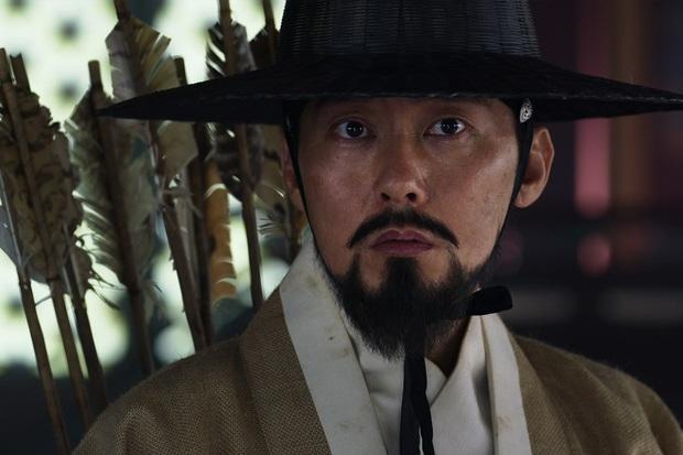 Kingdom chơi lớn làm hẳn một tập phim về Jeon Ji Hyun: Lộ luôn vai trò cực then chốt của nữ hoàng zombie mới nổi! - Ảnh 3.