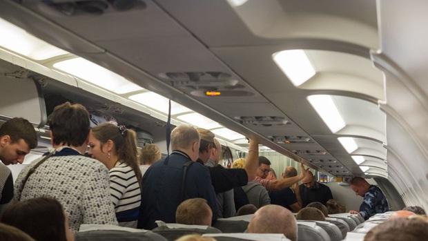 4 câu chuyện quái dị nhất đã từng xảy ra trên các chuyến bay, theo chia sẻ của tiếp viên hàng không - Ảnh 7.