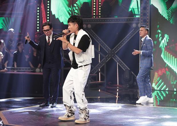 Trong full set 3 tỷ rưỡi Ricky Star mặc tại Rap Việt có chiếc áo giống Sơn Tùng M-TP, netizen mở cuộc bàn phím chiến rất xôm! - Ảnh 8.