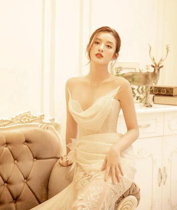 Á hậu Huyền My bất ngờ được báo Trung ca ngợi là Đệ nhất mỹ nhân Việt Nam xinh như Angela Baby, có body của Liễu Nham - Ảnh 7.