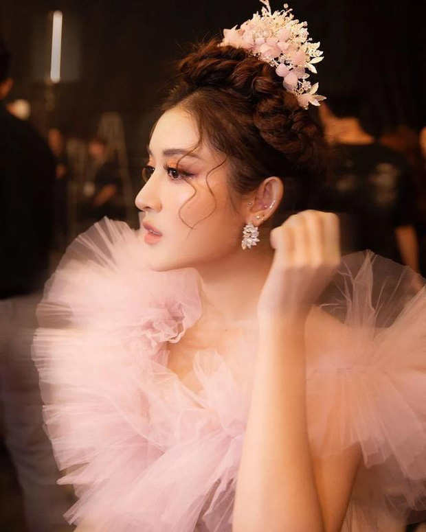 Á hậu Huyền My bất ngờ được báo Trung ca ngợi là Đệ nhất mỹ nhân Việt Nam xinh như Angela Baby, có body của Liễu Nham - Ảnh 6.