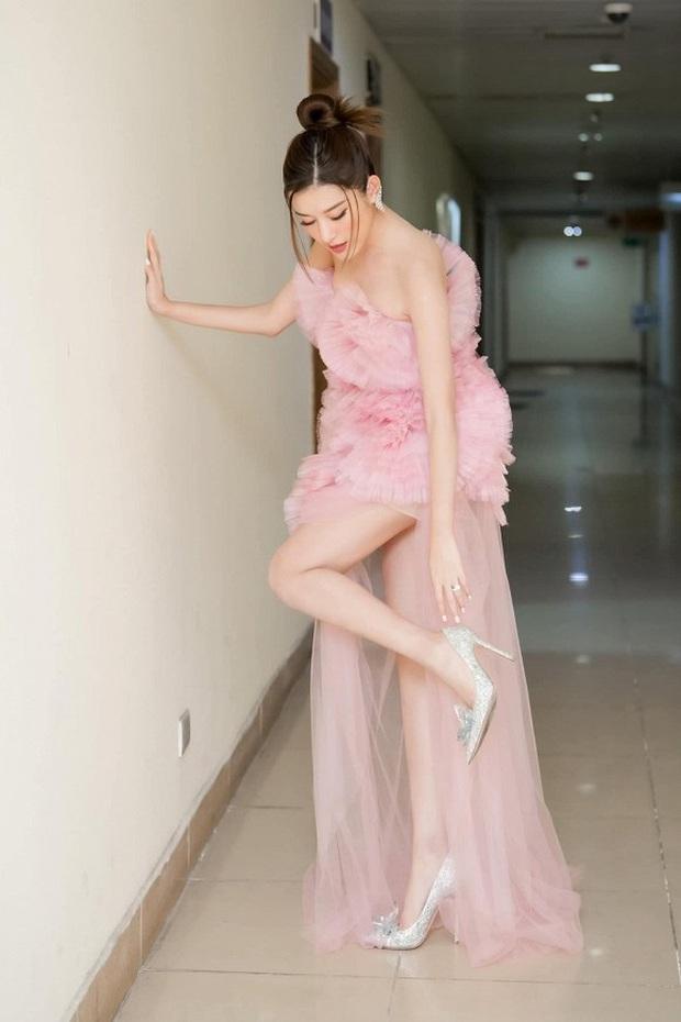 Á hậu Huyền My bất ngờ được báo Trung ca ngợi là Đệ nhất mỹ nhân Việt Nam xinh như Angela Baby, có body của Liễu Nham - Ảnh 5.