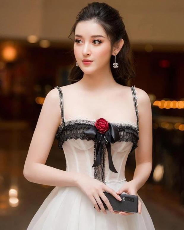 Á hậu Huyền My bất ngờ được báo Trung ca ngợi là Đệ nhất mỹ nhân Việt Nam xinh như Angela Baby, có body của Liễu Nham - Ảnh 10.