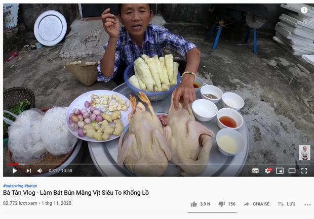 Bà Tân Vlog khiến người xem tá hoả vì chi tiết kinh dị ở tô bún măng vịt khổng lồ, netizen lập tức chỉ ra điểm sai chí mạng! - Ảnh 2.