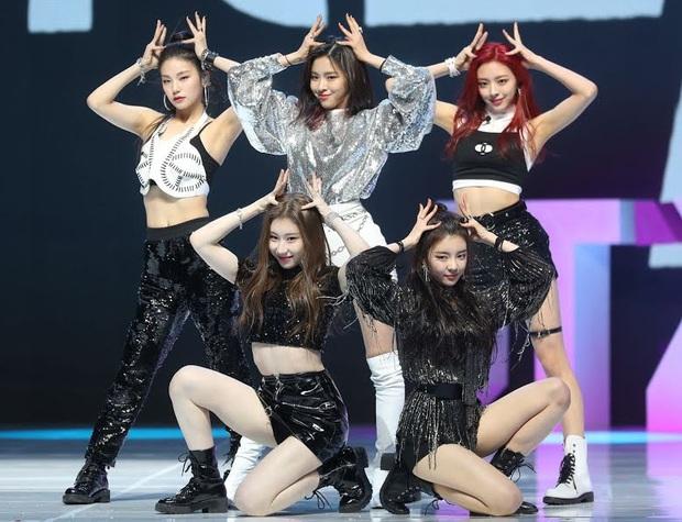 Idol da trắng không thiếu nhưng bật tông như 4 mỹ nhân Kpop này thì là của hiếm, Dahyun - Taeyeon dìm sạch cả đồng đội - Ảnh 18.