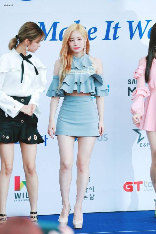 Idol da trắng không thiếu nhưng bật tông như 4 mỹ nhân Kpop này thì là của hiếm, Dahyun - Taeyeon dìm sạch cả đồng đội - Ảnh 7.