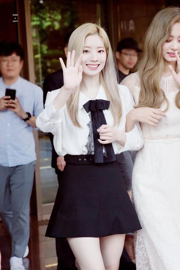 Idol da trắng không thiếu nhưng bật tông như 4 mỹ nhân Kpop này thì là của hiếm, Dahyun - Taeyeon dìm sạch cả đồng đội - Ảnh 10.