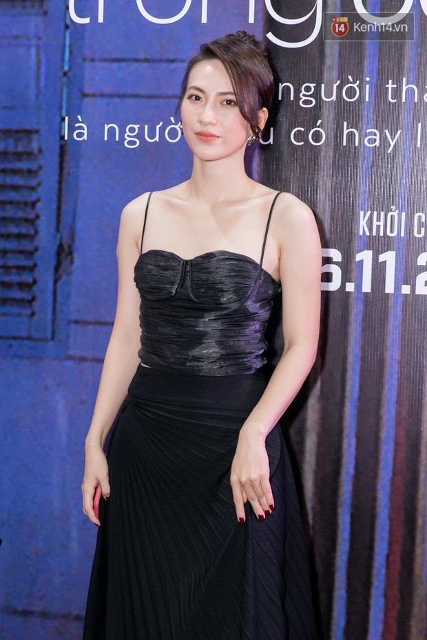 Quỳnh Anh Shyn tím lịm tìm sim, chặt đẹp Wowy và dàn sao xịn tại thảm đỏ ra mắt Sài Gòn Trong Cơn Mưa - Ảnh 8.