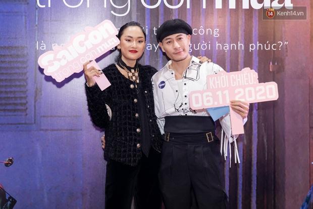 Quỳnh Anh Shyn tím lịm tìm sim, chặt đẹp Wowy và dàn sao xịn tại thảm đỏ ra mắt Sài Gòn Trong Cơn Mưa - Ảnh 13.