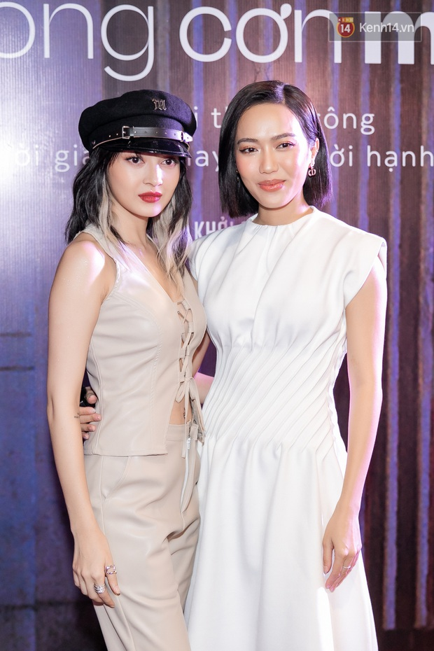 Quỳnh Anh Shyn tím lịm tìm sim, chặt đẹp Wowy và dàn sao xịn tại thảm đỏ ra mắt Sài Gòn Trong Cơn Mưa - Ảnh 16.
