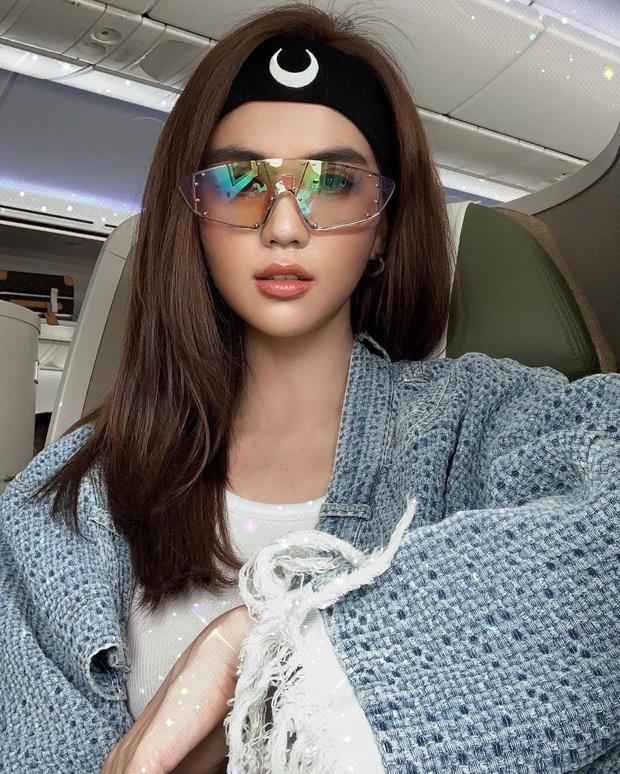Hậu trường sống ảo của Ngọc Trinh ở sân bay: đi tới đi lui bở hơi tai mới được bức hình ưng ý - Ảnh 10.