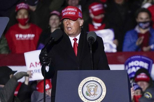 Nữ thần Ivanka Trump: Điều tuyệt nhất trong chiến dịch tranh cử của Tổng thống Trump, phá vỡ kỷ lục của ông Obama và xây dựng biểu tượng hoàn mỹ - Ảnh 3.