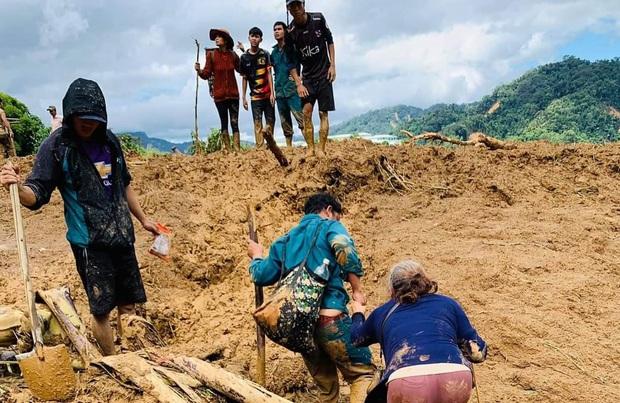 Đau xót khi tìm thấy 6 thi thể trẻ nhỏ trong vụ sạt lở núi kinh hoàng ở Phước Sơn - Ảnh 1.