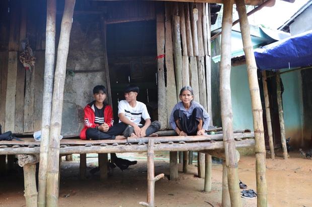 Bố mẹ mất khi đi làm thuê, 2 anh em sống lay lắt bên bà ngoại già yếu: Có bữa nhà hết gạo, con phải nhịn đói đi học - Ảnh 14.