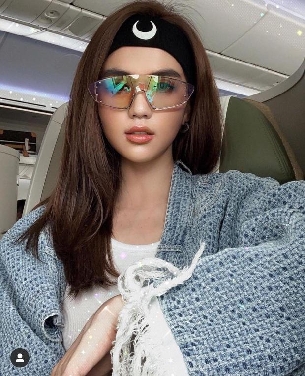 Hậu lùm xùm lộ ảnh nhạy cảm, lướt Instagram Ngọc Trinh thấy là lạ: Nữ hoàng nội y giờ hết áo dài rồi lại diện đồ bà ba kín bưng - Ảnh 6.