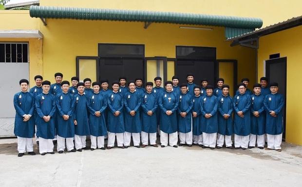 Nghệ sĩ Thành Lộc cũng hy vọng nam sinh sẽ mặc áo dài đến trường - Ảnh 2.