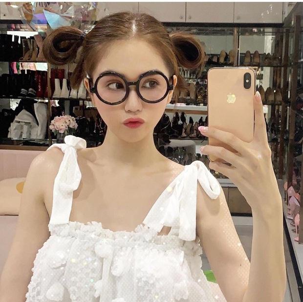 Hậu lùm xùm lộ ảnh nhạy cảm, lướt Instagram Ngọc Trinh thấy là lạ: Nữ hoàng nội y giờ hết áo dài rồi lại diện đồ bà ba kín bưng - Ảnh 7.
