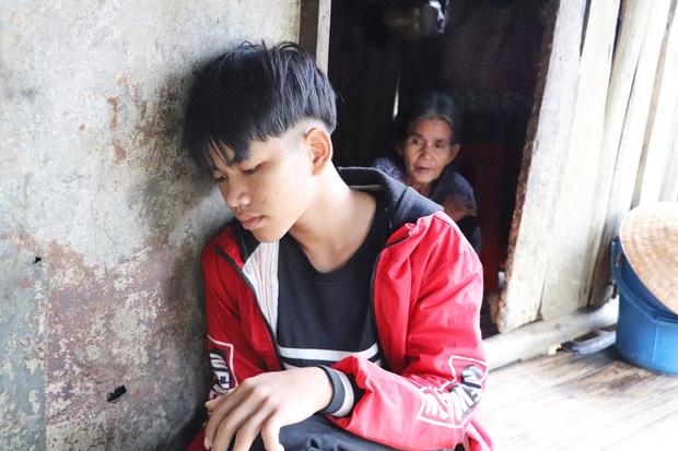 Bố mẹ mất khi đi làm thuê, 2 anh em sống lay lắt bên bà ngoại già yếu: Có bữa nhà hết gạo, con phải nhịn đói đi học - Ảnh 5.