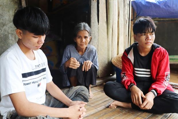 Bố mẹ mất khi đi làm thuê, 2 anh em sống lay lắt bên bà ngoại già yếu: Có bữa nhà hết gạo, con phải nhịn đói đi học - Ảnh 9.