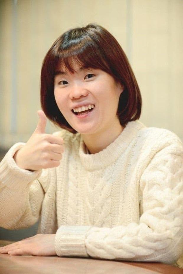 Hết Irene, đến Yeri (Red Velvet) dính phốt: Tưởng niệm diễn viên Gia Đình Là Số 1 nhưng kèm hình ảnh... kém duyên - Ảnh 3.