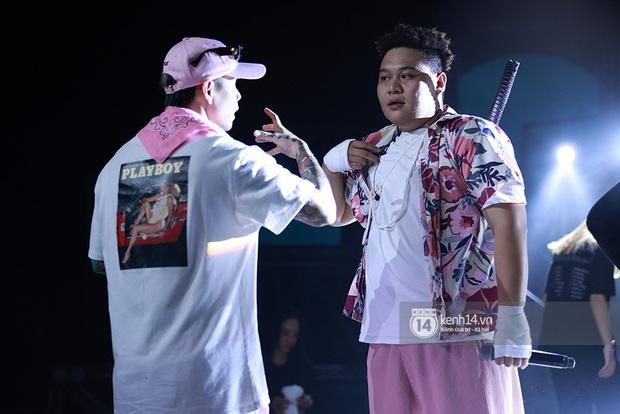 Độc quyền hậu trường Rap Việt: Suboi kề vai bá cổ với bộ 3 nghiêm túc Touliver - Rhymastic - JustaTee - Ảnh 16.