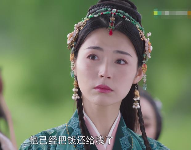 Đường Yên gây tranh cãi khi bị ekip dặm mặt hồng quá đà ở Yến Vân Đài - Ảnh 13.