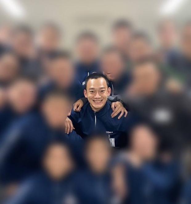 Hé lộ hình ảnh đầu tiên trong quân đội của Chen (EXO): Dừ đi cả chục tuổi, xuống sắc đến fan cũng nhận không ra - Ảnh 2.