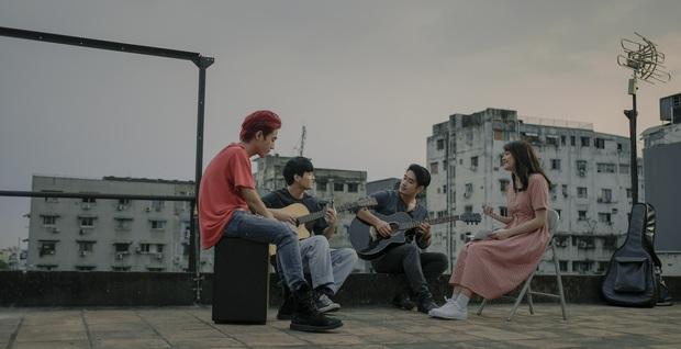 Sài Gòn Trong Cơn Mưa: Thước phim non trẻ nhưng đầy cảm xúc dành cho những kẻ khờ mộng mơ của phương Nam - Ảnh 5.