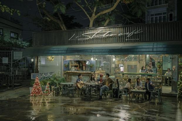 """Sài Gòn Trong Cơn Mưa ăn điểm cặp đôi trái dấu hút nhau cực, nhưng kể chuyện """"dùng tiền nuôi đam mê"""" chưa đủ thấm - Ảnh 10."""