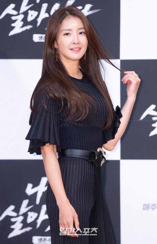 Sự kiện hot nhất hôm nay: Mẹ Kim Tan tóc tém sang chảnh, chặt đẹp mỹ nhân Vườn Sao Băng và nữ idol nhóm (G)I-DLE - Ảnh 5.