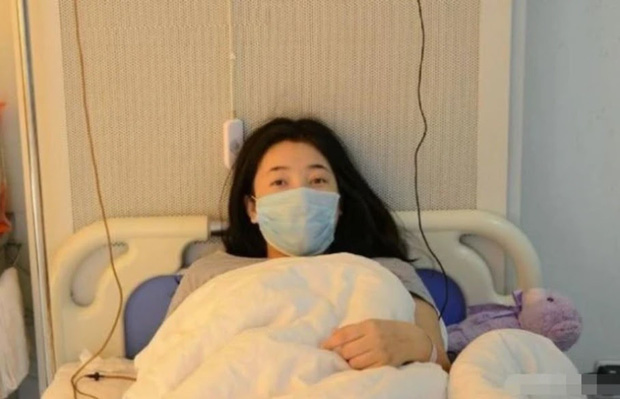Cô gái 29 tuổi đã mãn kinh, nguyên nhân đến từ thói quen ăn chay không ăn thịt: 3 thói quen của giới trẻ dễ dẫn đến vô kinh - Ảnh 1.