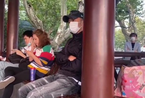 Phóng viên nổi tiếng Hong Kong tiết lộ bố của con trai thứ 3 nhà Trương Bá Chi là Tạ Đình Phong, cả 2 chuẩn bị tái hôn? - Ảnh 4.