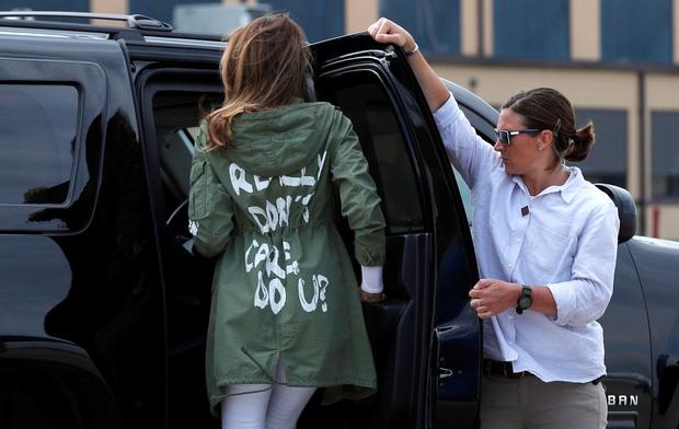 Suốt 4 năm chồng đắc cử Tổng thống Mỹ, cũng có vài lần bà Melania Trump diện đồ bình dân, nhưng bão tố vẫn cứ ập đến bất kỳ lúc nào - Ảnh 13.