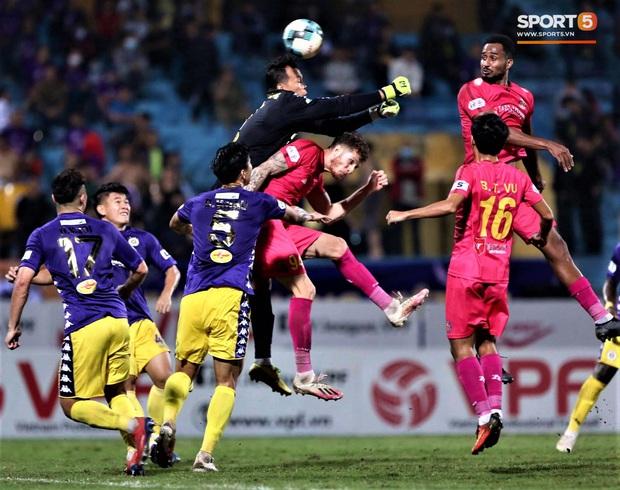 Trở lại sau chấn thương, Đoàn Văn Hậu mắc lỗi trong cả 2 bàn thua của Hà Nội FC - Ảnh 6.