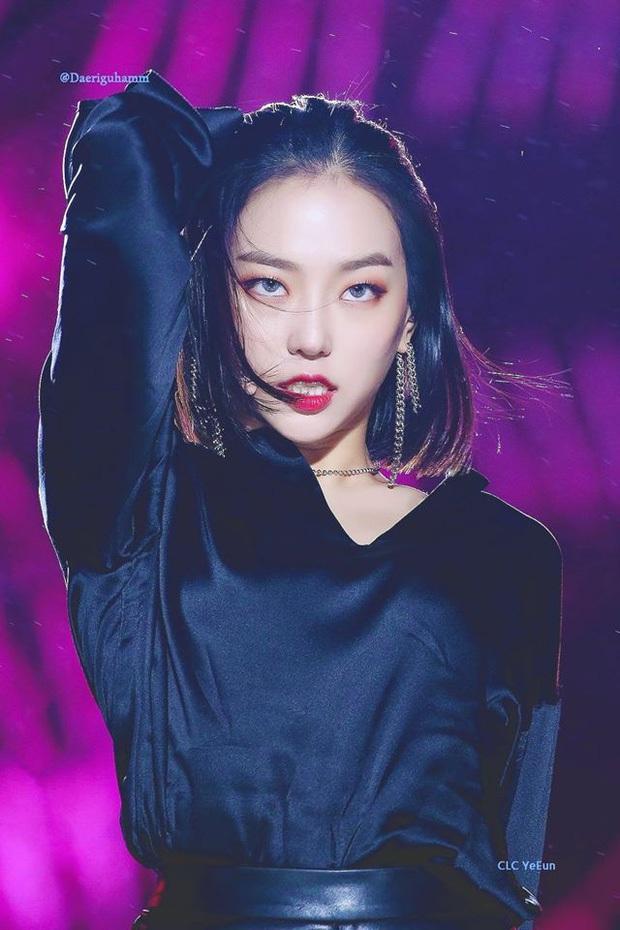 """7 nữ idol hiếm hoi """"cân"""" cả sexy và cute: Joy - Sana nổi như cồn nhờ thay đổi 180 độ, bí quyết của Jennie (BLACKPINK) là gì? - Ảnh 20."""