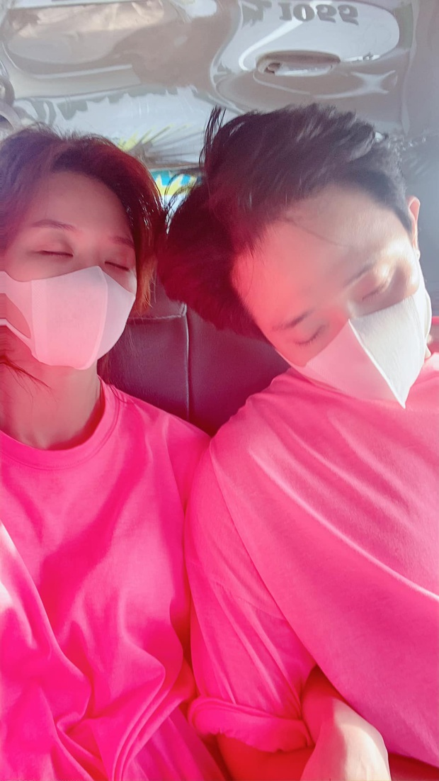 Chia sẻ về bệnh ung thư đang gây xôn xao, Hari Won đăng ảnh bên Trấn Thành kèm status đầy xúc động: Mình vẫn còn yêu nhau - Ảnh 2.