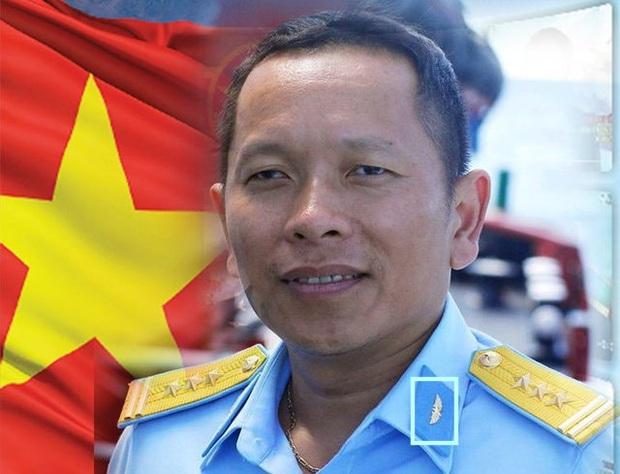 Hào hứng khoe ảnh phim mới, Thanh Sơn bị bóc ăn mặc sai tác phong người lính - Ảnh 7.