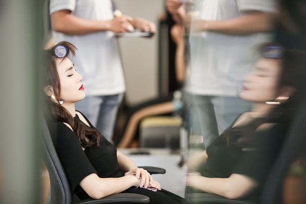Netizen đào lại ảnh Lan Ngọc kiệt sức ở phim trường, nội soi dạ dày viêm loét đến chảy máu trước khi phát hiện tiền ung thư - Ảnh 5.